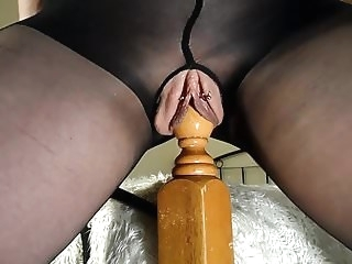 squirting amateur Amateur MILF Rides Her Bedpost - Multiple Squirting Orgasms